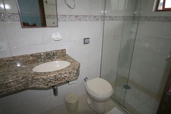 banheiro-pousada-araucária-campos-do-jordao-04-1.jpg