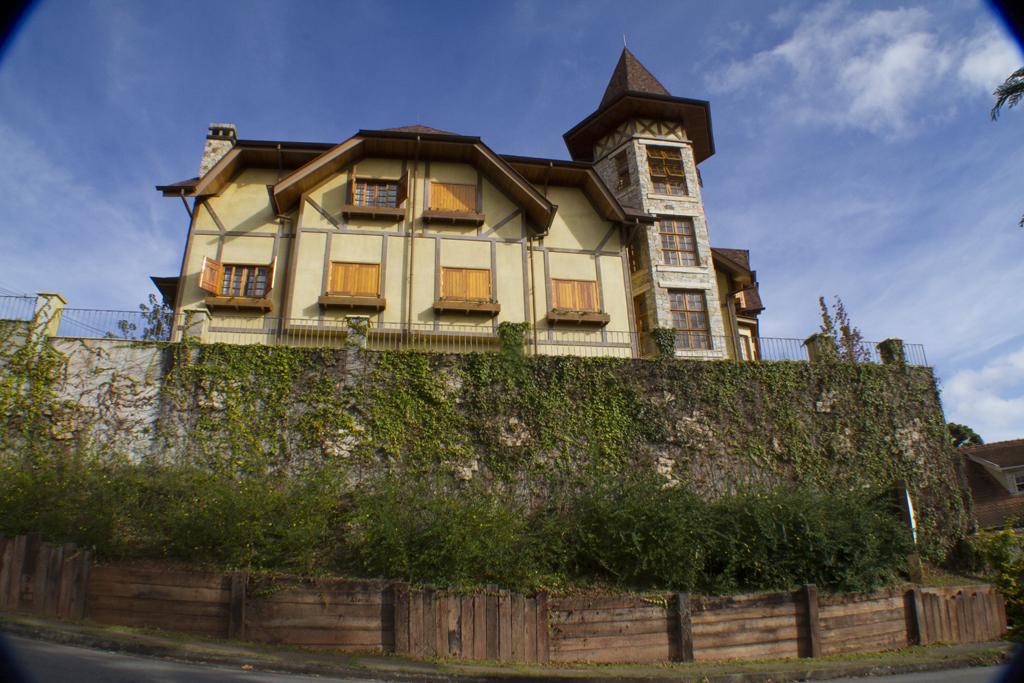 Fachada Hotel Le Renard