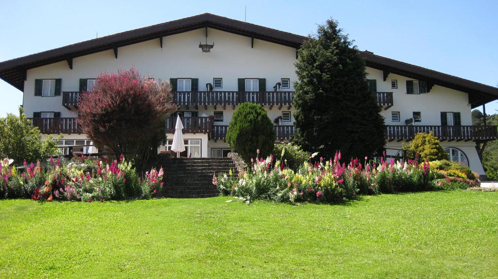 Fachada Hotel Toriba