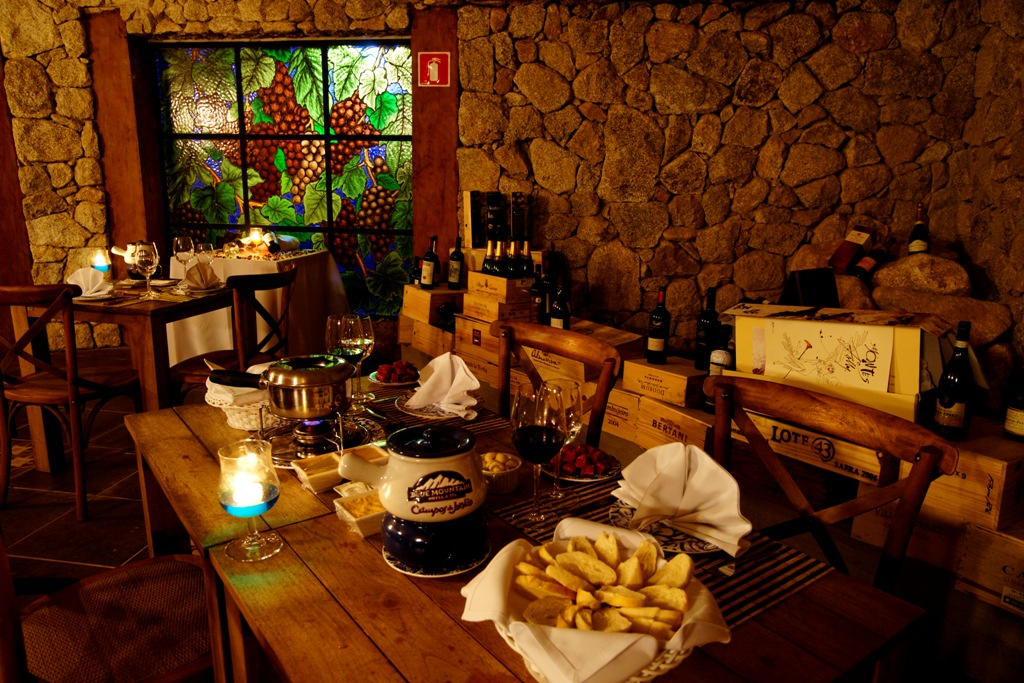 Fondue Blue Mountain Hotel Spa Campos do Jordao
