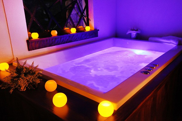 bath20lounge.jpg