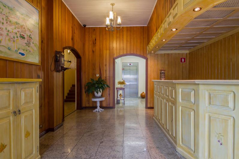 hotel-nevada-15
