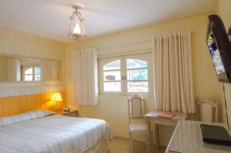 hotel-nevada-6