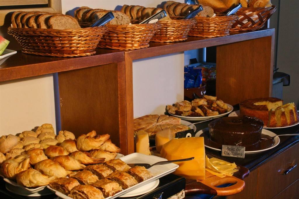 cafe-da-manha-pousada-campos-de-provence-campos-do-jordao