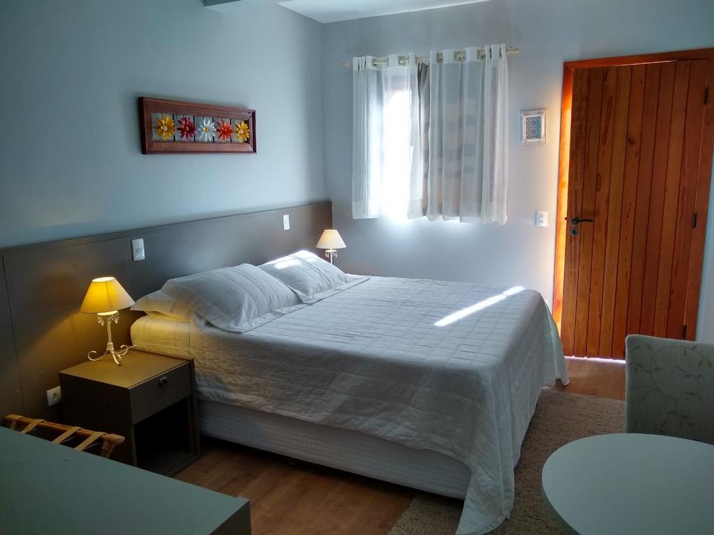 apartamento-pousada-cantinho-da-serra-campos-do-jordao-03