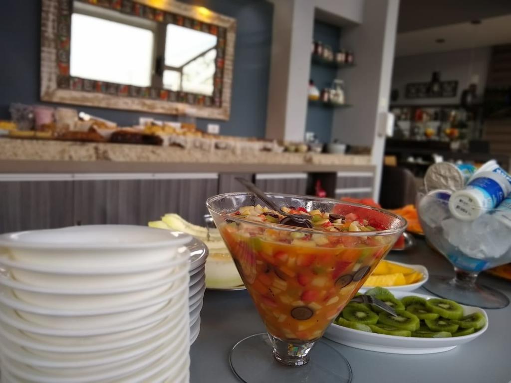 cafe-da-manha-pousada-cantinho-da-serra-campos-do-jordao-02