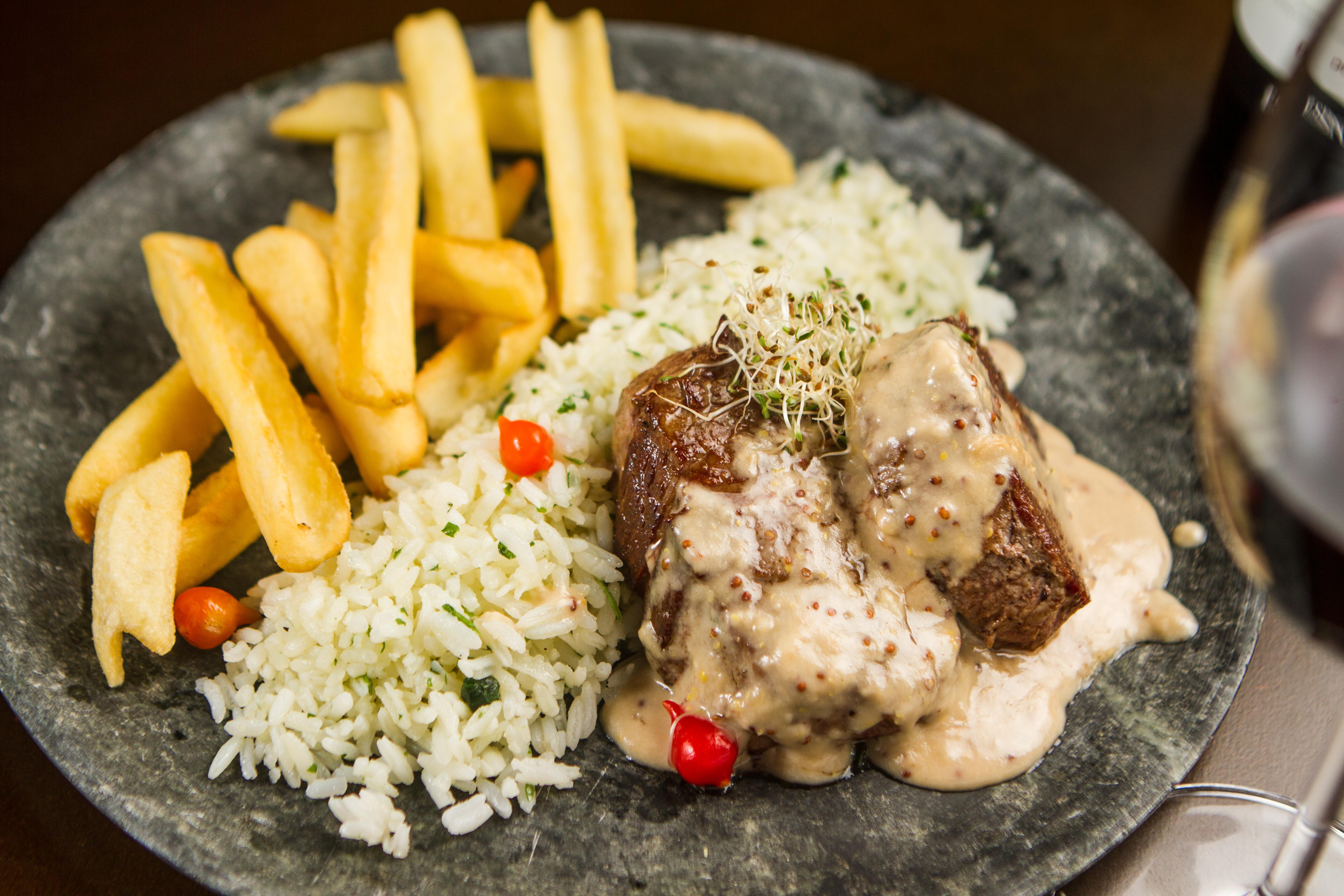 no-meio-do-mato-restaurante-campos-do-jordao (167)