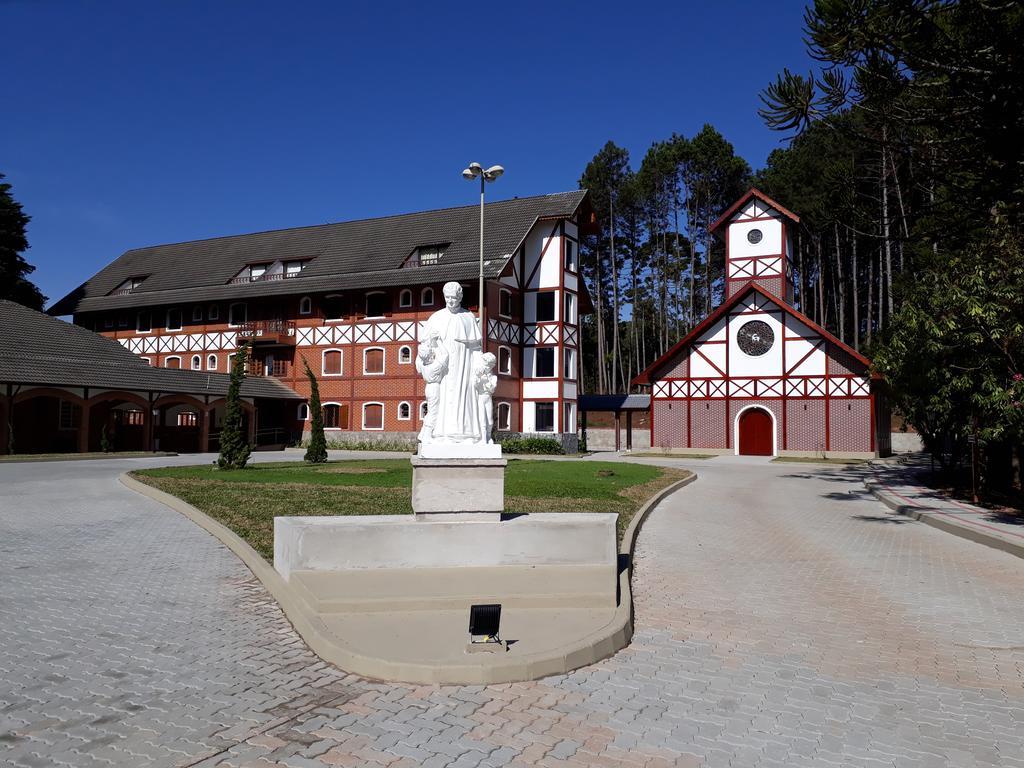Pousada-Vila-Dom-Bosco-1