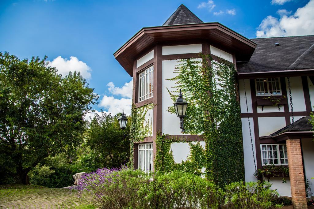 Pousada-Chateau-La-Villette-2